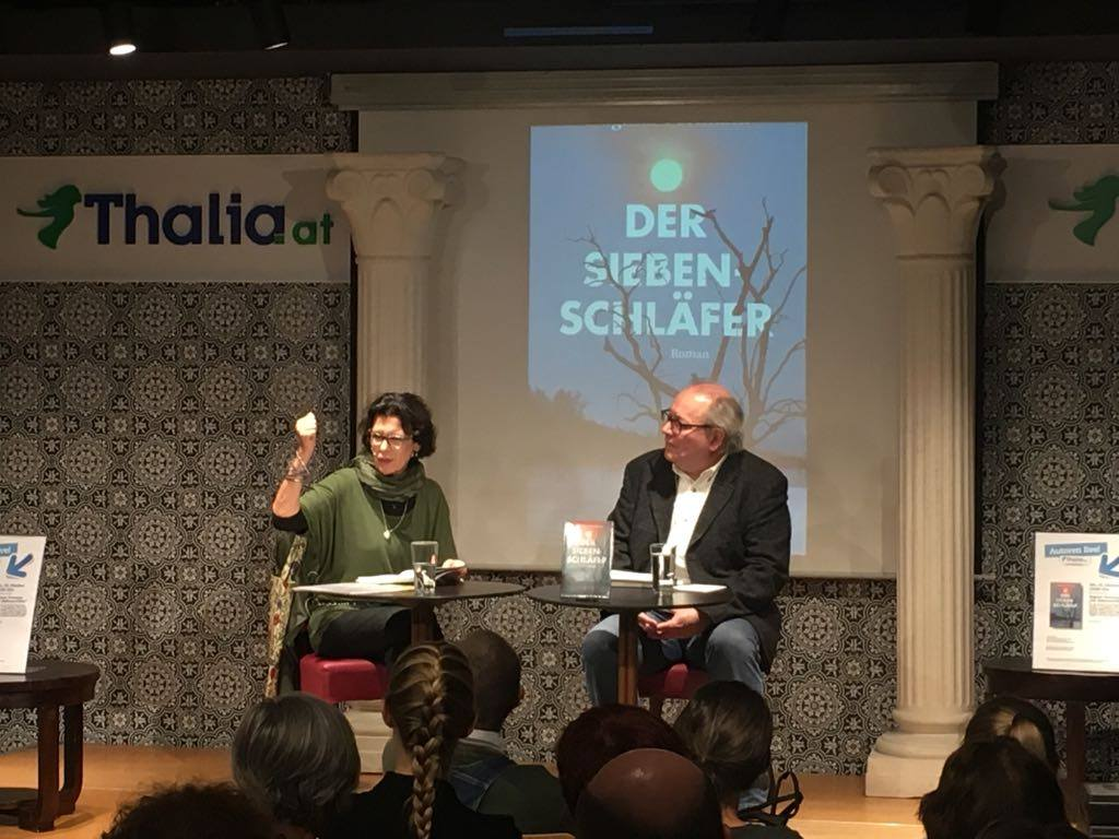 Autorin Dagmar Formann und der Journalist Gunther Baumann bei der Buchpräsentation am 16.10.2017 in der Thalia Buchhandlung in Wien Mitte